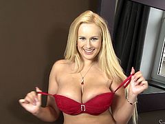 A hot blonde milf Angel Wicky takes her bikini off and demonstrates her big natural tits and butt for the cam. Then she moves her legs wide apart and fingers her vag till she feels the convulsions of orgasm.