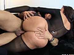 This torrid brunette can give any man an instant erection just seeing her big delicious ass. Dirty-minded gal gets into sideways position to let her lover fuck her hard. He pounds her ruthlessly in and out just the way she likes it. Then he bangs her in missionary position.