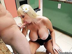 Michael Vegas gets pleasure from fucking bodacious Brittany ONeils wet spot