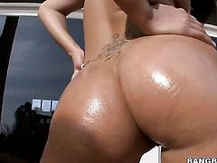 Asian London Keyes plays with guys beefy fuck stick