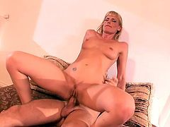 Pussy and ass are fucked today and the one getting both fuckholes banged is the blonde cougar Darryl Hanah.