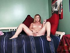 Blonde Mandylou is on fire in solo scene
