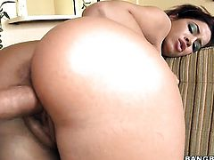 Chachita Isis Taylor with bubbly butt gets her hole pumped by hot guy
