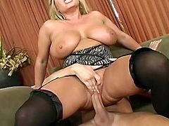 Big boobs blonde hottie goes wild in pure hardcore porn session