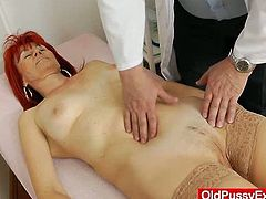 Kinky mature chick strips her clothes off and then lies down on a bed. She gets her old pussy stuffed with a dildo in close-up scenes.