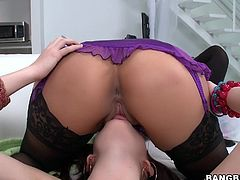 A hot-ass awesome sex scene between three gorgeous sluts, hit play and check it out right here, it's fuckin' hot and shit!