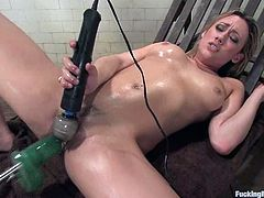 Gwen Diamond oils her hot body and gets her vag drilled by a sex machine