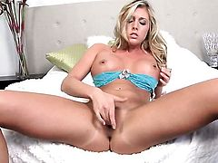 Samantha Saint with huge boobs and trimmed snatch is curious about stripping on cam