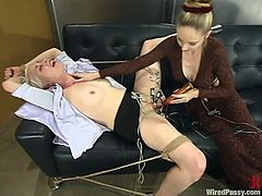 One of the best BDSM videos are the ones with some real story! So, Lorelei Lee seduces her petite colleague and then tortures her pussy in the office!