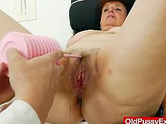 Mature pussy gyno exam with closeups of mature pussy gaping, the only site featuring mature women having pussy wide opened at gyno clinic.This time a busty brunette grandma named Marsa gets her hairy cunny examined plus a cold metal gyno-instrument by our eager and always curious Doc.