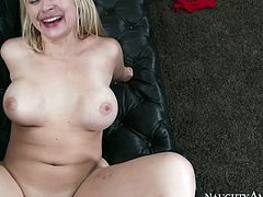 Large cock of this muscle man in wet pussy of Sarah Vandella