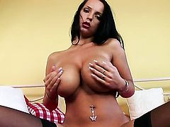 Laura Lion with big melons and shaved bush is too hot to stop masturbating