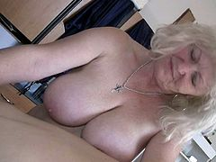 Fat sluts with big boobs take part in hot threesome