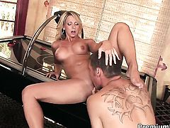Brianna Beach satisfies her sexual needs and desires