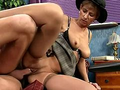 That's a damn sexual experience that gave her knowledge about men! Mara is her name and she wills suck and then ride that huge cock!