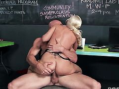 Sammie Spades with juicy breasts gets used in her back swing by Johnny Sins after dick sucking