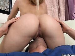 Rocco Reed bangs Alexis Texas with juicy butt as hard as possible in steamy hardcore action