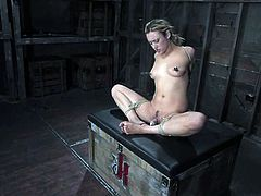 Just look at this sexy body that Gwen Diamond supplies us with! Honey is naked and she can't wait to be tortured. So brave!