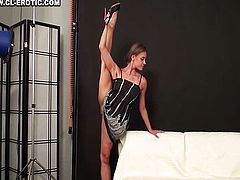 Flexible and big clit Margo