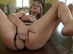 Blonde hoe with natural tits gets that long prick deep in her asshole and she loves that hardcore sex before that fucker cums in her mouth.