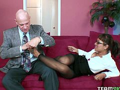 Busty brunette chick gets her tootsies licked by one bald headed guy. She takes out his dick and sucks it greedily. Enjoy watching Team Skeet sex tube video right now.