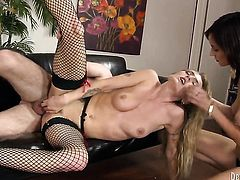 Phoenix Askani and her hot bang buddy Dane Cross both enjoy blowjob session