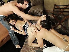 Princess Donna gets her fuck hole licked out to orgasm by Bobbi Starr in lesbian action