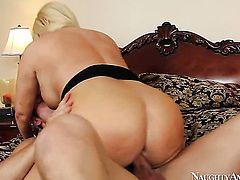 Johnny Castle makes his rock solid cock disappear in breathtakingly hot Karen Fishers twat