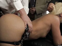 Lovely bombshell David Perry having vigorous anal sex with hot dude Ian Scott after blowjob