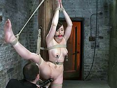 Gorgeous Jennifer White gets toyed in hot bondage video
