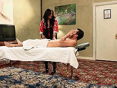 Crazy talented Asian masseuse gives her client one hell of a blowjob