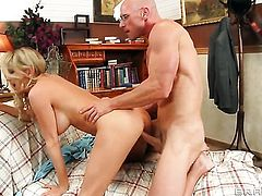 Blake Rose offers her love tunnel to Johnny Sins