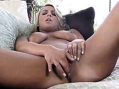 Lexi Swallow enjoying great solo session