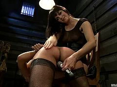 This desirable and delightful Asian bitch Annie Cruz gets bondaged, so that her legs are wide open! Bobbi Starr just comes and sticks her strapon in her muff.