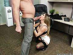 Billy Glide whips out his love torpedo to fuck Exotic Rachel Roxxx