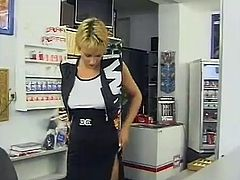 Papa - Good fuck in the porn video store