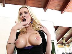 Brandi Edwards gives sensual throat job hot guy