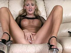 This amazing cougar with outstanding body is naughty and horny. She squeezes big boobs and fingering her shaved wet cunt.