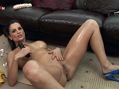 Press play on this great solo scene where the gorgeous brunette Valentina Cruz masturbates with dildos while being oiled up.