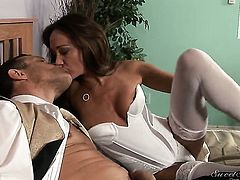 Michelle Lay satisfies her sexual needs with Jay Huntingtons love torpedo in her mouth