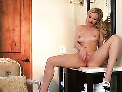 Sophia Knight going solo for camera