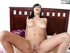 Holly Michaels has some time to give some oral pleasure