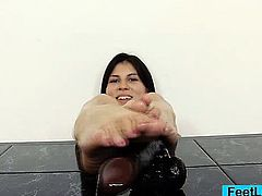 Czech amateur girl bare feet and foot show off