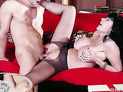 Will Powers pulls out his dick to fuck nasty Eva Kareras snatch