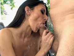 Jay Huntington is licking pussy of Nikki Daniels