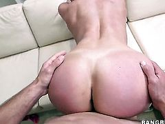 Kendra Lust has some sex fantasies to be fulfilled in handjob action