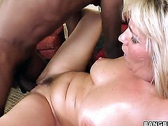 Jordan Kingsley gets down on her knees to gives headjob to handsome guy