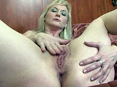 Horny mature feels excellent with a huge black cock up her fatty cunt