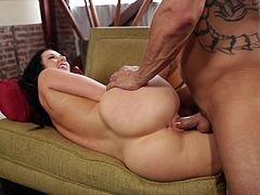 Make sure you have a look at this hardcore scene where you'll surely bust a nut as you take a look at the beautiful Jayden Jaymes. Watch this busty brunette being fucked by a guy while wearing high heels.