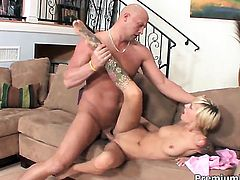 Emma Mae shows her love for meat pole sucking in blowjob action with hot fuck buddy